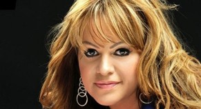 Jenni Rivera the Makeup Artist? Do you want her look?